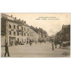 carte postale ancienne 70 LURE. Hôtel du Commerce Rue de la Gare. Affiches Absinthe Berger à gauche