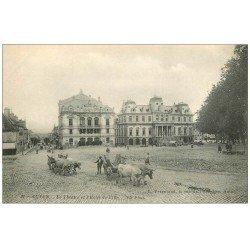 carte postale ancienne 71 AUTUN. Théâtre et Hôtel de Ville attelages Boeufs