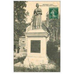 carte postale ancienne 71 BOURBON-LANCY. Statue Marquise d'Aligre 1908