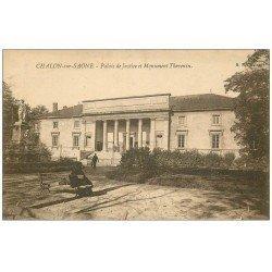 carte postale ancienne 71 CHALON-SUR-SAONE. Palais de Justice et Monument Thevenin 1924