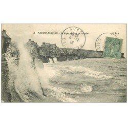 carte postale ancienne 14 ARROMANCHES. La Digue par Tempête 1918