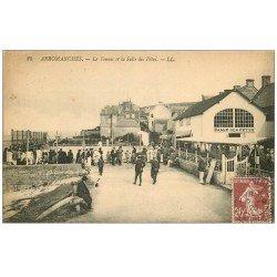 carte postale ancienne 14 ARROMANCHES. Le Tennis et Salle des Fêtes 1925
