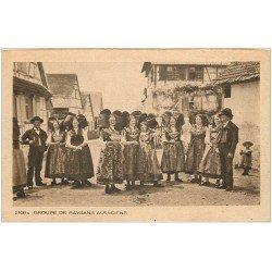 carte postale ancienne 68 ALSACE. Groupe de Paysans Alsaciens