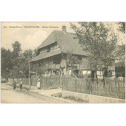 carte postale ancienne 68 FALCKWILLER. Maison Alsacienne animée