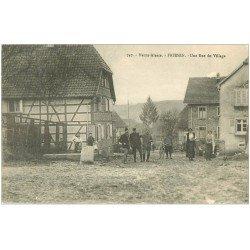 carte postale ancienne 68 FRIESEN. Une Rue du Village