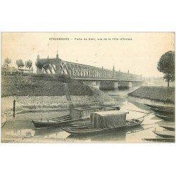 carte postale ancienne 67 STRASBOURG STRASSBURG. Barques transports funéraire Pont de kehl 1919