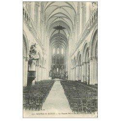 carte postale ancienne 14 BAYEUX. Cathédrale Nef Arcades