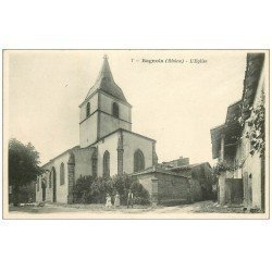 carte postale ancienne 69 BAGNOLS. Animation devant l' Eglise