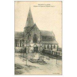 carte postale ancienne 14 BEAUMONT-EN-AUGE. Eglise et Statue Colonel Langlois 1925