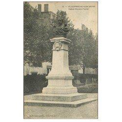 carte postale ancienne 69 VILLEFRANCHE-SUR-SAÔNE. Statue Etienne Poulet 1914