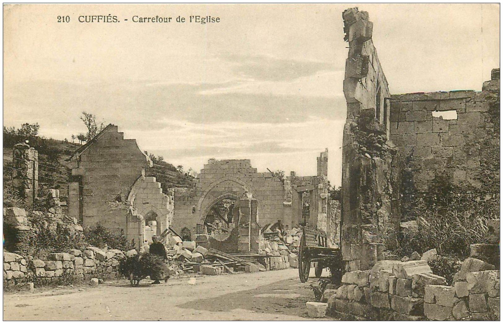 carte postale ancienne 02 CUFFIES. Carrefour de l'Eglise