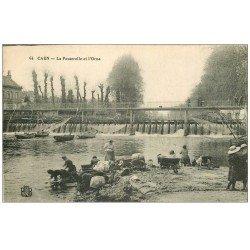 carte postale ancienne 14 CAEN. Lavandières Passerelle et filets de Pêche sur l'Orne