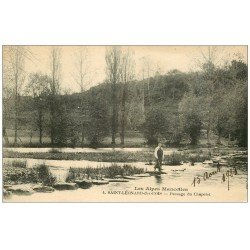 carte postale ancienne 72 SAINT-LEONARD-DES-BOIS. Pêcheur Passage du Chapelet 1923