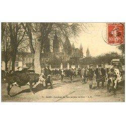 carte postale ancienne 14 CAEN. Marché aux Bestiaux. La Place jour de Foire 1908