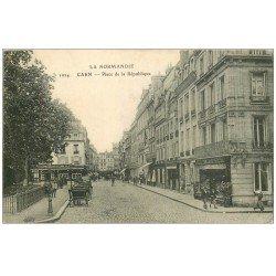 carte postale ancienne 14 CAEN. Place de la République 1915