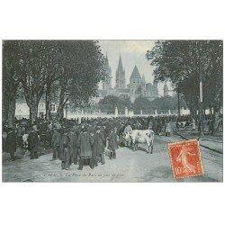 carte postale ancienne 14 CAEN. Place du Parc Jour de Foire aux Bestiaux 1909