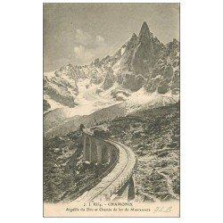 carte postale ancienne 74 CHAMONIX. Chemin de Fer Montenvers Aiguille du Dru 1925. Train à crémaillière