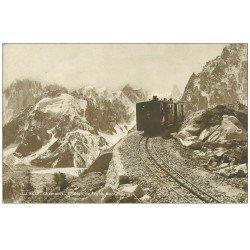 carte postale ancienne 74 CHAMONIX. Chemin de Fer Montenvers. Train à crémaillière 1923