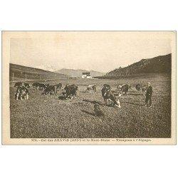 carte postale ancienne 74 COL DES ARAVIS. Troupeau d'Alpage vaches