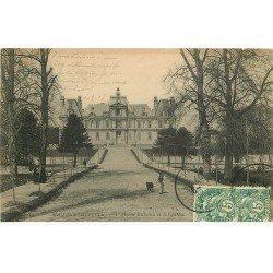 carte postale ancienne 78 MAISONS-LAFFITTE. Château Avenue Richelieu 1907 animation