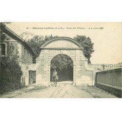 carte postale ancienne 78 MAISONS-LAFFITTE. Cavalier Porte des Pétrons 1921