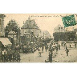 carte postale ancienne 78 MAISONS-LAFFITTE. Arrivée d'un Régiment 1908