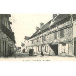 carte postale ancienne 78 HOUDAN. Rue de Paris vers 1900