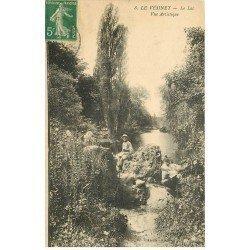 carte postale ancienne 78 LE VESINET. Le Lac avec Garçon assis