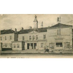 carte postale ancienne 78 POISSY. La Mairie animation