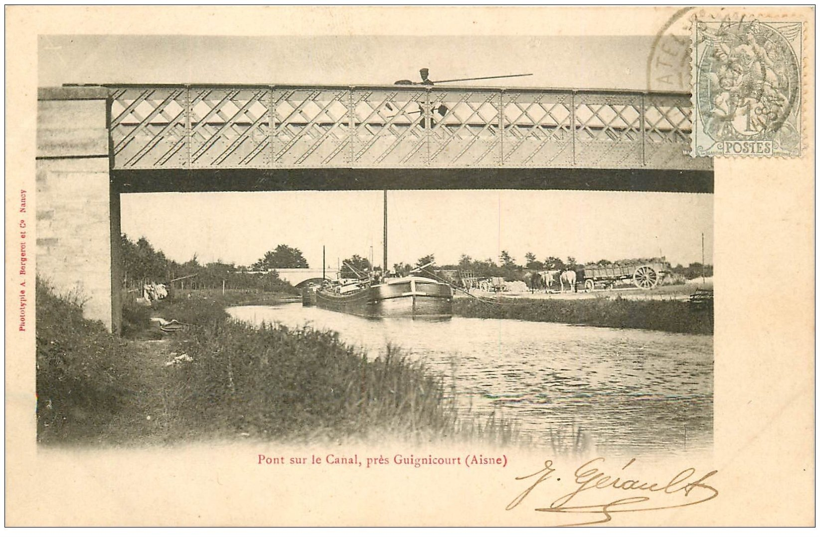 carte postale ancienne 02 GUIGNICOURT. 1903 Pont sur le Canal. Pêcheurs d'Ecrevisse et Péniche