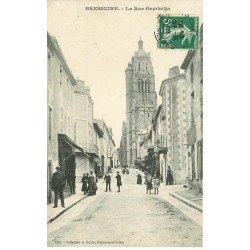 carte postale ancienne 79 BRESSUIRE. Rue Gambetta 1909