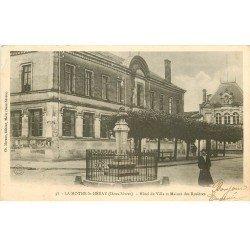 carte postale ancienne 79 LA MOTHE-SAINT-HERAY. Hôtel de Ville et Maison des Rosières 1904