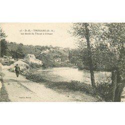carte postale ancienne 79 THOUARS. Les Bords du Thouet à Crévant 1917 animation