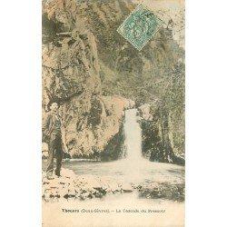 carte postale ancienne 79 THOUARS. Cascade du Pressoir avec personnage vers 1907