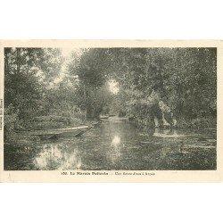 carte postale ancienne 79 LE MARAIS POTEVIN. Une Route d'eau à Arçais