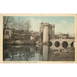 carte postale ancienne 79 PARTHENAY. La Tour Saint-Jacques 1937 Lavandière