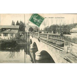 carte postale ancienne 79 NIORT. Le Pont Main animation 1908