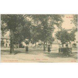 carte postale ancienne 81 ALBAN. La Place avec son puits