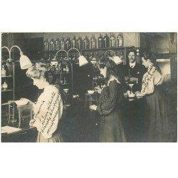 carte postale ancienne 81 ALBI. Des Elèves Laborantines ou Préparatrices Pharmaciennes. Jeunes Filles 1905
