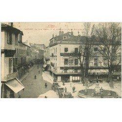 carte postale ancienne 81 CASTRES. Rue Henri IV et Place Nationale fiacres taxis