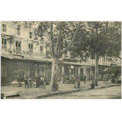 carte postale ancienne 81 LABRUGUIERE. Grand Café Boulevard de la République