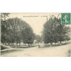 carte postale ancienne 82 BEAUMONT-DE-LOMAGNE. Le Foirail animation 1910