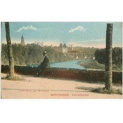 carte postale ancienne 82 MONTAUBAN. Personnage assis et vue sur la Ville 1923