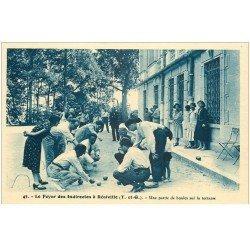 carte postale ancienne 82 REALVILLE. Une partie de boules sur la terrasse. Foyer des Indirectes. Jeux de la Pétanque