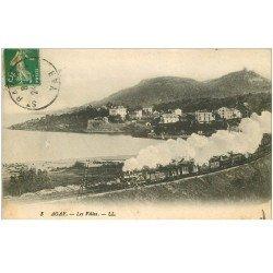 carte postale ancienne 83 AGAY. Les Villas et le Train avec Locomotive à vapeur vers 1910