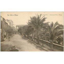 carte postale ancienne 83 BANDOL. Boulevard Victor Hugo animation