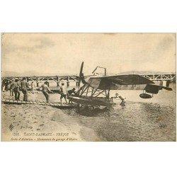 carte postale ancienne 83 SAINT-RAPHAEL. Ecole d'Aviation manoeuvre de garage d'Hydoglisseur 1919. Avion Aéroplane
