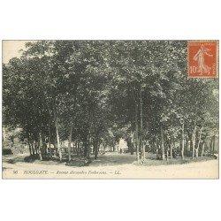 carte postale ancienne 14 HOULGATE. Avenue Alexandra Feodorovna