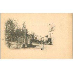 carte postale ancienne 86 CHATELLERAULT. Entrée du Square vers 1900