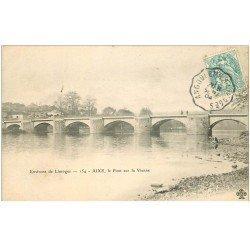 carte postale ancienne 87 AIXE SUR VIENNE. Le Pont 1904 avec Lavandière